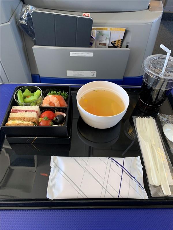 プレミアムクラス機内食